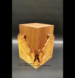 Urne en érable faite à la main - formes quasi symétriques (grande) - Modèle L'Éclisse 06
