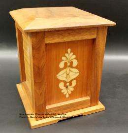 Urne pagode en noyer - marqueterie Symétrie (24 cm x 19 cm) - Modèle EB 02